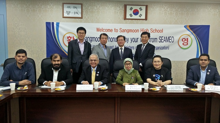 ECOSF and SAMEO joint delegation visits Sangmoon High School in South Korea on August 30, 2017