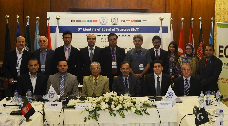 Group photo of the delegates of 3rd BoT of ECOSF with Federal Secretary for S&T H.E Mr. Fazal Abbas Maken on 18-08-2016